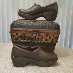 Ariat Womens Floral Studded Clogs Size 7B